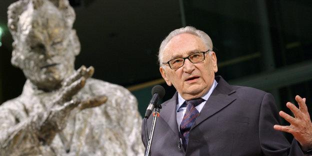 urn:newsml:dpa.com:20090101:140619-99-06516