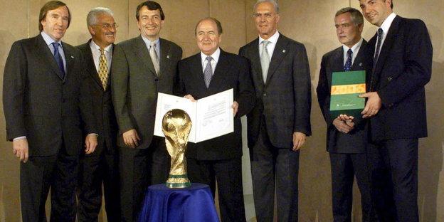 urn:newsml:dpa.com:20090101:151026-90-022720