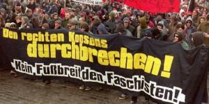 Demonstranten gegen Rechts